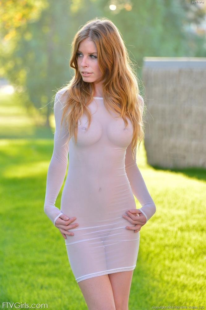 Порно фото женщин в просвечивающих платьях