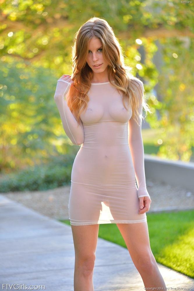 Порно фото в ситцевом платье 69052 фотография