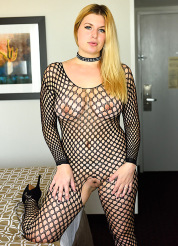 Danielle Fisting In Fishnets
