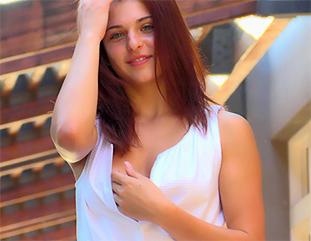 Fiona Redheaded Beauty