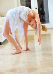Jessica beautiful contortionist