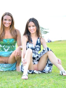 Mary And Aubrey Pantiless In Hawaii - Picture 11
