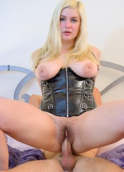 Mistress Danielle bdsm