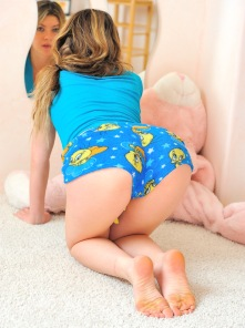 Serena pink room blue panties
