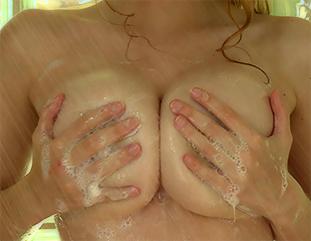 Alyssa Showing Her Glorious Boobs