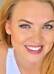 Cosima Leggy Hottie