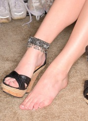 Danielle disappearing heel