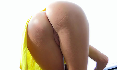 Hannah flashes in yellow