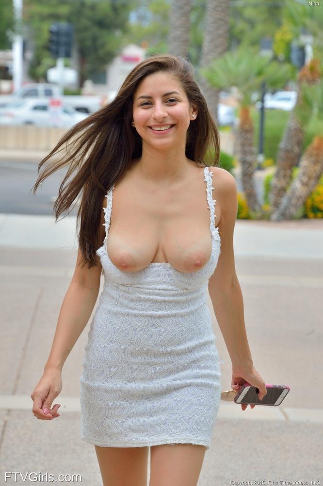 jennifer bini taylor sexy pics