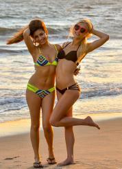 Alex and Nina Bi-Kinis Picture 15