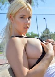 Bonnie Setting Breasts Free Picture 5
