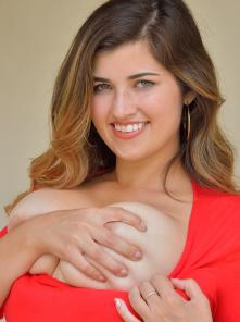 Gianna-II Gorgeous In Red Picture 3