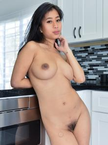 Jade Nudes In The Kitchen Picture 1