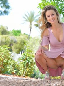 Leah Pretty In Pink Picture 5