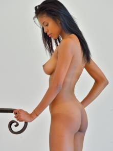 Nia Perfect Physical Form Picture 11