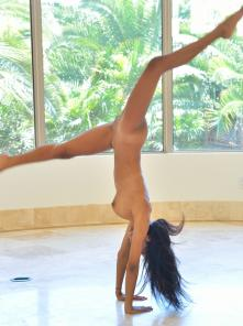 Nia Perfect Physical Form Picture 14