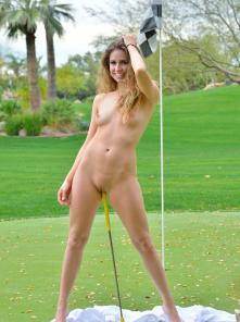 Reese-II On The Golf Course Picture 14